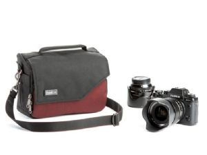 Think Tank Photo Mirrorless Mover 20 Deep Red